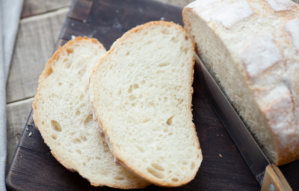 Чем хлеб на закваске отличается от батона из магазина. Заем печь хлеб без дрожжей