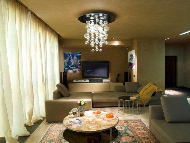 Фотография: Гостиная в стиле Современный, Декор интерьера, DIY, Декоративная штукатурка – фото на InMyRoom.ru