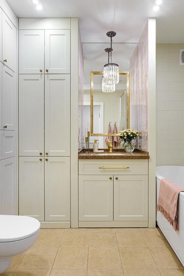 Фотография: Ванная в стиле Классический, Современный, Перепланировка, 3 комнаты, 60-90 метров, Екатерина Усикова, перепланировка в трешке – фото на INMYROOM
