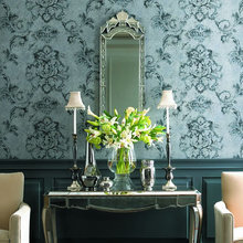Фотография: Мебель и свет в стиле Классический, Эклектика, Декор интерьера, Дизайн интерьера, Цвет в интерьере, Обои – фото на InMyRoom.ru