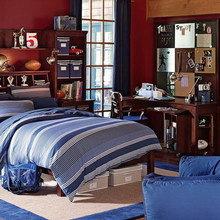 Фотография: Спальня в стиле Кантри, Дом, Дома и квартиры, Стол – фото на InMyRoom.ru