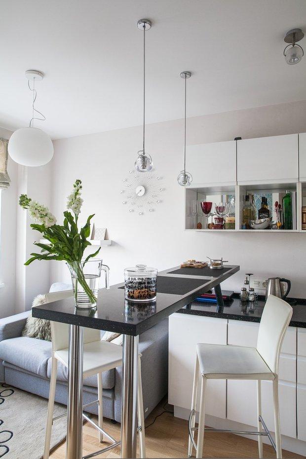 Фотография: Кухня и столовая в стиле Современный, Квартира, Дома и квартиры, Проект недели, Перепланировка – фото на InMyRoom.ru