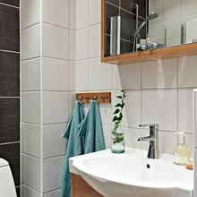 Фотография: Ванная в стиле Скандинавский, Квартира, Швеция, Цвет в интерьере, Дома и квартиры, Белый, Черный – фото на InMyRoom.ru