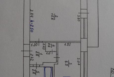 Нужна помощь в перепланировке маленькой квартиры, для пары с ребёнком.