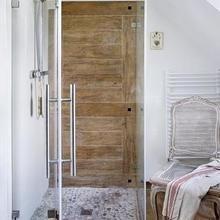 Фотография: Ванная в стиле Кантри, Дом, Цвет в интерьере, Дома и квартиры, Белый – фото на InMyRoom.ru