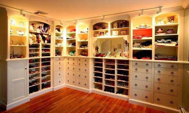 Фотография: Кухня и столовая в стиле Классический, Гардеробная, Декор интерьера, Квартира, Дом, Планировки, Перепланировка – фото на InMyRoom.ru