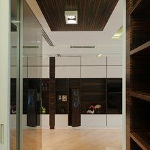 Фотография: Гардеробная в стиле Современный, Квартира, Дома и квартиры, Подсветка – фото на InMyRoom.ru