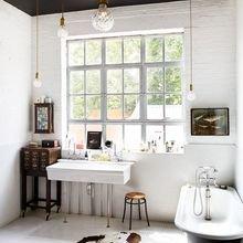 Фотография: Ванная в стиле Скандинавский, Декор интерьера, Дизайн интерьера, Цвет в интерьере, Потолок – фото на InMyRoom.ru