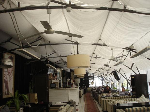 Фото из портфолио Оформление потолка и окон в кафе Карамель – фотографии дизайна интерьеров на INMYROOM