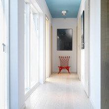 Фотография: Прихожая в стиле Современный, Скандинавский, Декор интерьера, Швеция, Декор дома, Цвет в интерьере, Белый – фото на InMyRoom.ru