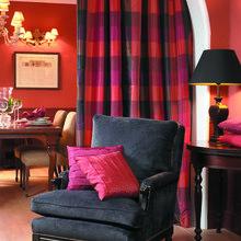 Фотография: Мебель и свет в стиле Кантри, Декор интерьера, Дизайн интерьера, Цвет в интерьере, Стены, Розовый, Фуксия – фото на InMyRoom.ru