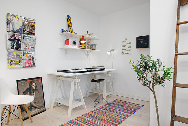 Фотография: Офис в стиле Скандинавский, Современный, Малогабаритная квартира, Квартира, Швеция, Мебель и свет, Дома и квартиры, Белый – фото на InMyRoom.ru