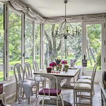 Фотография: Балкон, Терраса в стиле Кантри, Кухня и столовая, Декор интерьера, Мебель и свет, Дача – фото на InMyRoom.ru