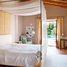Фотография: Спальня в стиле Современный, Эко, Дом, Дома и квартиры, Балки, Майорка – фото на InMyRoom.ru