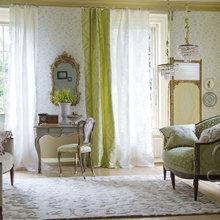 Фотография: Гостиная в стиле Классический, Современный, Декор интерьера, Текстиль, Обои, Ткани – фото на InMyRoom.ru