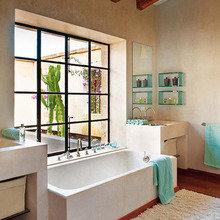 Фотография: Ванная в стиле Восточный, Дом, Дома и квартиры, Балки, Майорка – фото на InMyRoom.ru