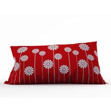 Стильная подушка: Ромашки на красном