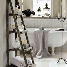 Фотография: Ванная в стиле Кантри, Декор интерьера, Дом, Хранение, Декор, Декор дома – фото на InMyRoom.ru