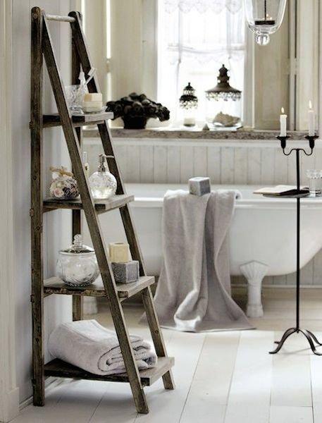 Фотография: Ванная в стиле Прованс и Кантри, Декор интерьера, Дом, Хранение, Декор, Декор дома – фото на InMyRoom.ru