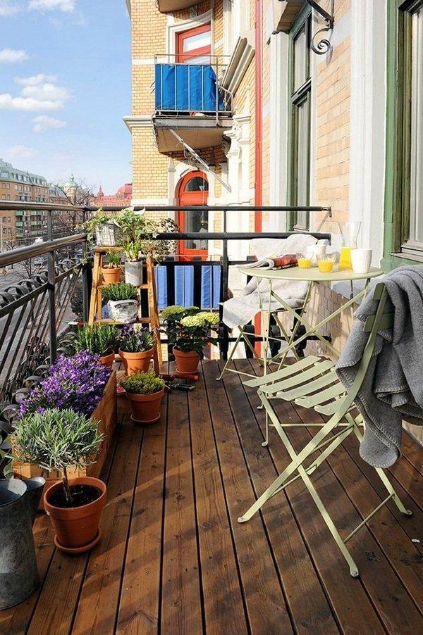 интерьера балкона в новостройке