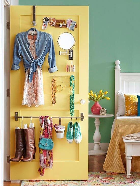 Фотография: Спальня в стиле Прованс и Кантри, Прочее, Советы, ламинат, хранение – фото на InMyRoom.ru