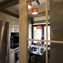 Фотография: Кухня и столовая в стиле Кантри, Квартира, Мебель и свет, Дома и квартиры, Подсветка – фото на InMyRoom.ru
