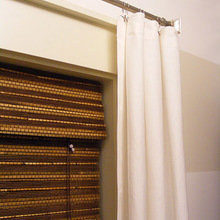 Фотография: Декор в стиле Современный, Декор интерьера, Дом, Декор дома, Системы хранения, Шторы – фото на InMyRoom.ru