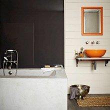 Фотография: Ванная в стиле Скандинавский, Кухня и столовая, Декор интерьера, Декор дома, Цвет в интерьере, Белый, Камин, Бирюзовый – фото на InMyRoom.ru