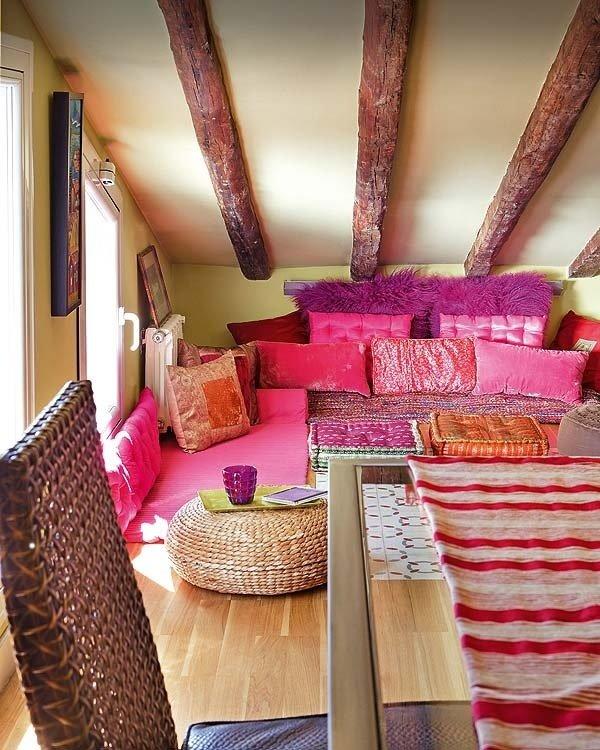 Фотография: Гостиная в стиле Прованс и Кантри, Восточный, Дом, Чердак, Мансарда – фото на InMyRoom.ru