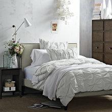 Фотография: Спальня в стиле Скандинавский, Декор интерьера, Интерьер комнат, Текстиль – фото на InMyRoom.ru