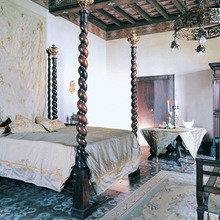 Фотография: Спальня в стиле , Декор интерьера, Мебель и свет, Готический – фото на InMyRoom.ru