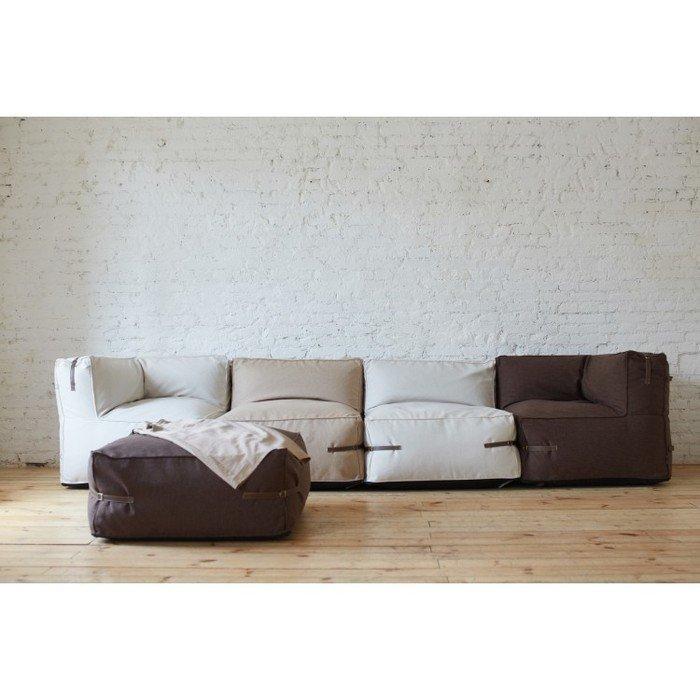 Модульный диван с декоративными ремешками