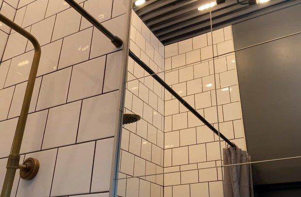 Фотография: Ванная в стиле Скандинавский, Квартира, Студия, Советы, как визуально увеличить площадь малогабаритки, малогабаритка, до 40 метров, домклик, Сбер, СберСтрахование, маленькая квартира – фото на INMYROOM