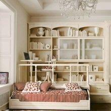 Фотография: Спальня в стиле Кантри, Классический, Современный, Детская, Декор интерьера, Мебель и свет, Кровать, Подиум – фото на InMyRoom.ru