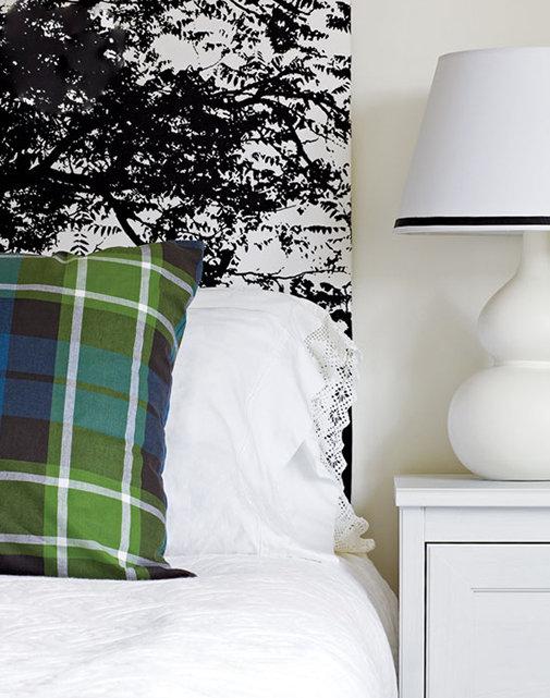 Фотография: Спальня в стиле Классический, Современный, Декор интерьера, Дом, Цвет в интерьере, Дома и квартиры, Стены, Синий – фото на InMyRoom.ru