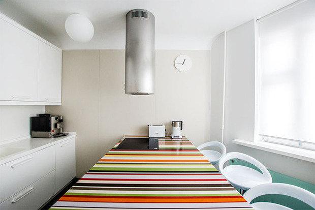 Фотография: Кухня и столовая в стиле Хай-тек, Интерьер комнат, Elle Decoration – фото на InMyRoom.ru