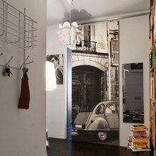 Фотография: Прихожая в стиле Лофт, Малогабаритная квартира, Квартира, Дома и квартиры, Гардероб, Принт, Библиотека, Окна – фото на InMyRoom.ru