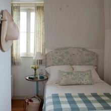 Фотография: Спальня в стиле Кантри, Декор интерьера, Дом и дача, Нормандия – фото на InMyRoom.ru