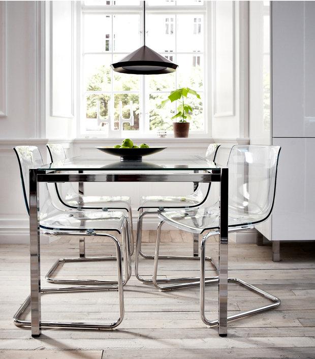Фотография: Кухня и столовая в стиле Хай-тек, Декор интерьера, Советы, стекло в интерьере, пластик в интерьере, интерьерный тренд, тенденция – фото на InMyRoom.ru