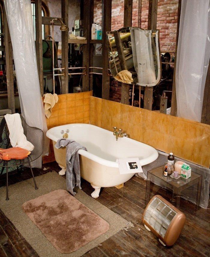 Фотография: Ванная в стиле Лофт, Современный, Эклектика, Декор интерьера, Советы, Минимализм, Гид – фото на InMyRoom.ru
