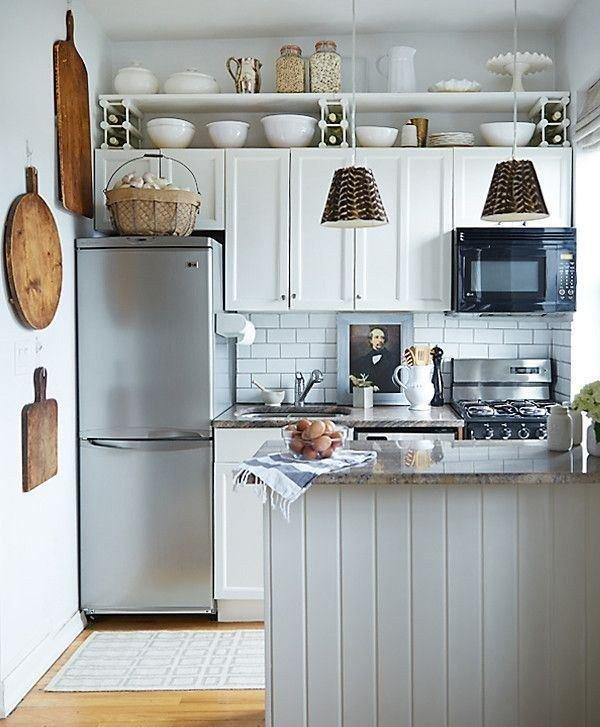 Фотография: Кухня и столовая в стиле Кантри, Квартира, Планировки, Мебель и свет, Советы, Переделка, Тина Гуревич – фото на InMyRoom.ru