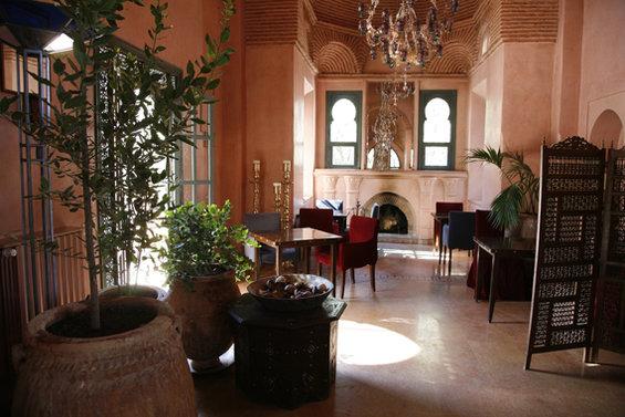 Фотография: Гостиная в стиле Восточный, Дома и квартиры, Городские места – фото на InMyRoom.ru