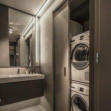 Фотография: Ванная в стиле Современный, Малогабаритная квартира, Квартира, Цвет в интерьере, Дома и квартиры, Серый, Умный дом, Будапешт – фото на InMyRoom.ru