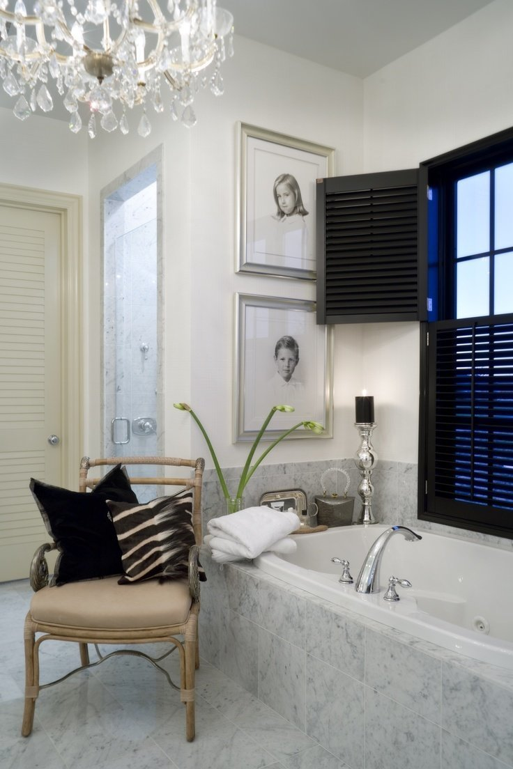 Фотография: Ванная в стиле Эклектика, Классический, Декор интерьера, Декор дома, Картины – фото на InMyRoom.ru