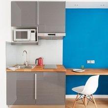 Фотография: Кухня и столовая в стиле Современный, Малогабаритная квартира, Квартира, Дома и квартиры, Мебель-трансформер – фото на InMyRoom.ru