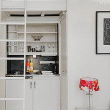 Фотография: Кухня и столовая в стиле Скандинавский, Современный, Декор интерьера, Малогабаритная квартира, Квартира, Швеция, Цвет в интерьере, Дома и квартиры, Белый – фото на InMyRoom.ru