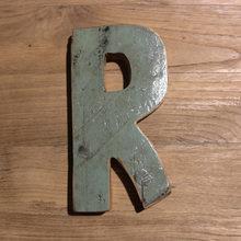 Декоративная буква (R)
