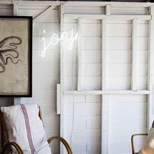 Фотография: Терраса в стиле Кантри, Скандинавский, Декор интерьера, Мебель и свет, Подсветка, Неон – фото на InMyRoom.ru