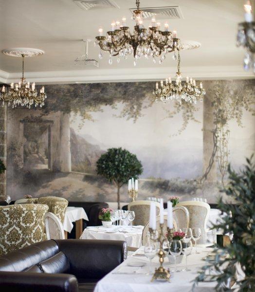 Фотография:  в стиле Классический, Современный, Дома и квартиры, Городские места – фото на InMyRoom.ru