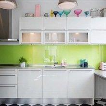 Фотография: Кухня и столовая в стиле Современный, Малогабаритная квартира, Квартира, Мебель и свет, дизайн маленькой кухни, как обустроить маленькую кухню, идеи для маленькой кухни, kuhnya-8-kv-metrov – фото на InMyRoom.ru